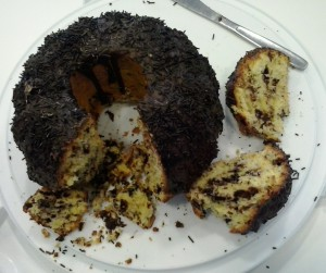 Kuchenmanie_Guglhupf mit Schokostückchen